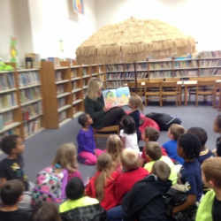 https://www.sherifink.com/wp-content/gallery/bookthe-little-seahorse/TLS_Reading_Illinois_Library_Oct3014.jpg